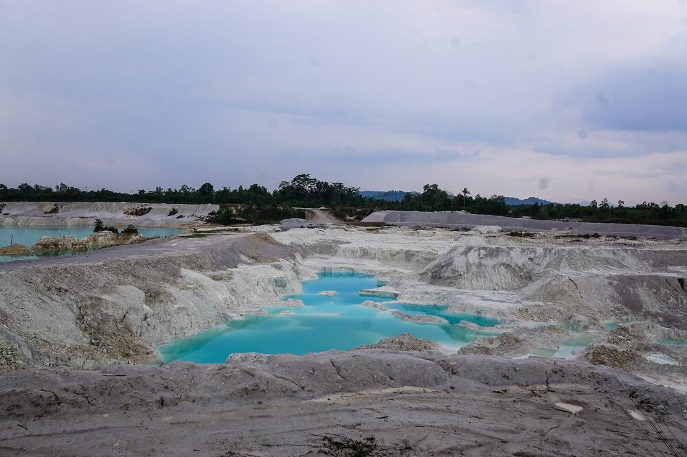 another environmental disaster, the danau kaolin.