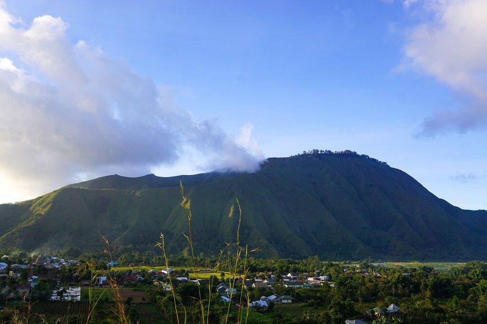 Starting the trek in sembalun before heading to mount rinjani
