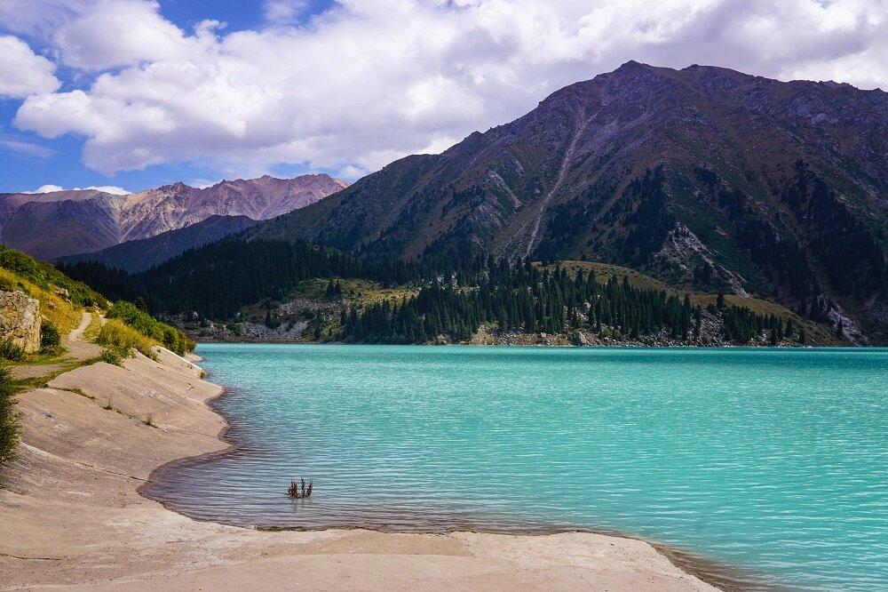 Visiting-Big-Almaty-Lake (2)-.jpg