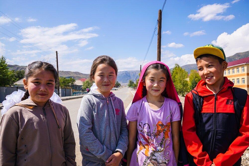 Saty-village-Kazakhstan-childen.jpg