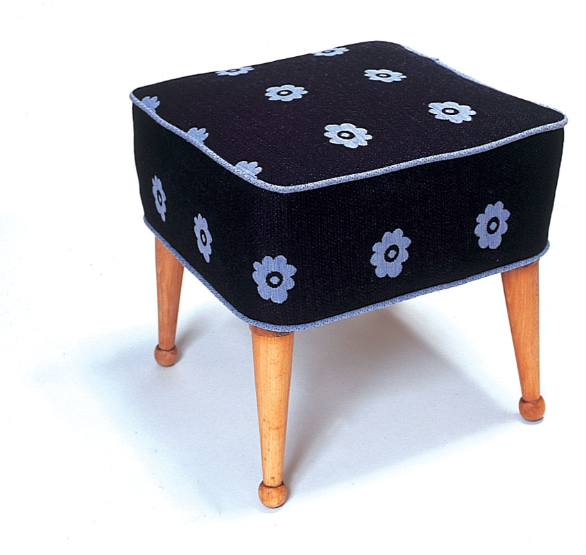 up_daisy_stool1.jpg