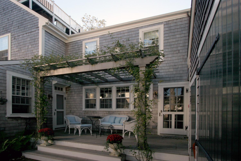 The George Lawrence House  Pergola   Design Associates
