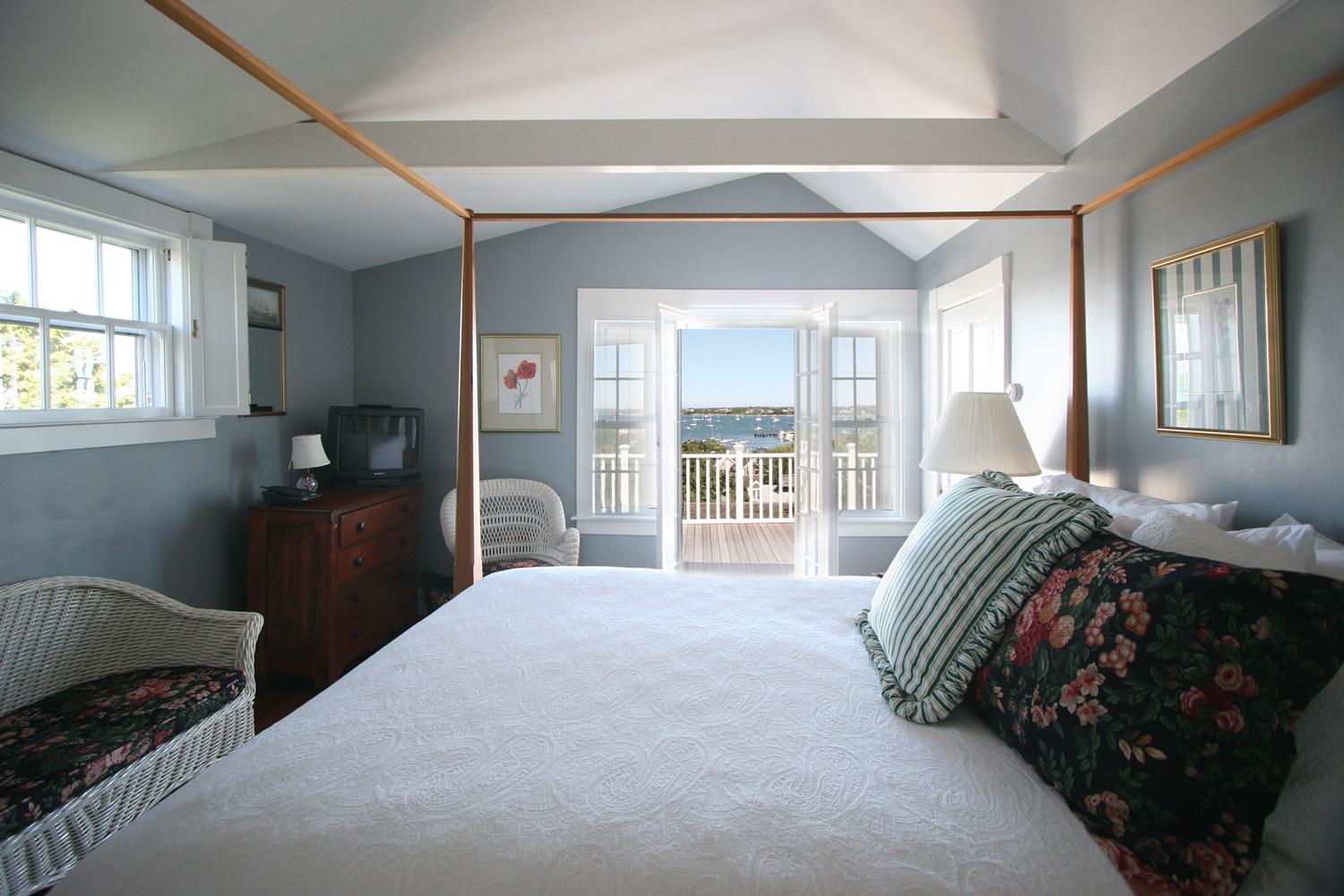 Matthew-Myrics_Design-Associates-Master-Bedroom.jpg