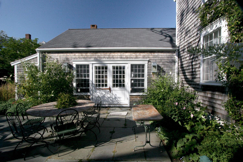 The George Lawrence House  Backyard   Design Associates