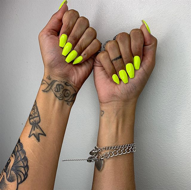 Neon loving 😍