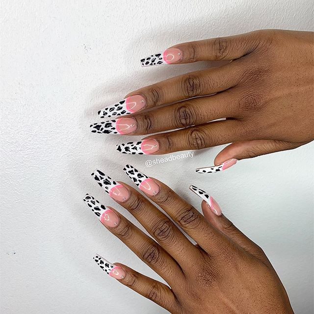 Prints are in! Nails done by Tulip 💕