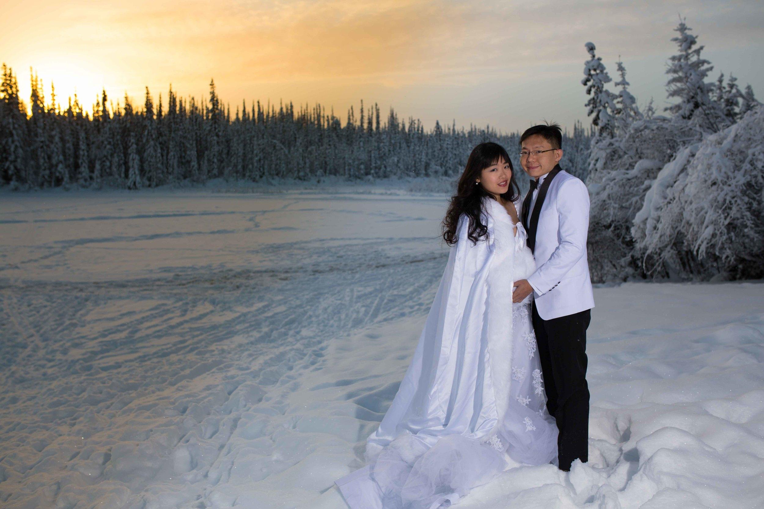 Bride and Groom under Northern Lights Fairbanks Alaska 05.jpg