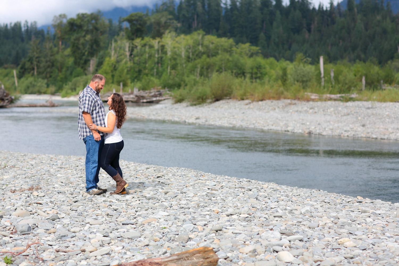 Engagement Photos Lake Quinault Olympic Peninsula Washington05.jpg