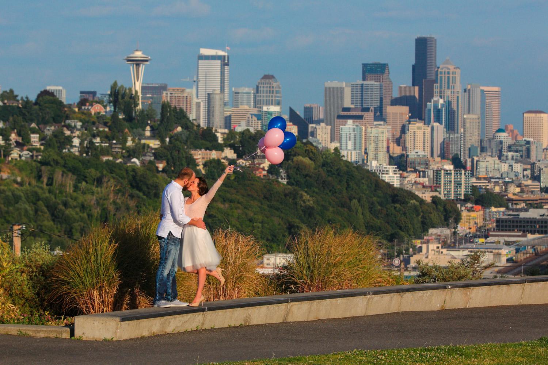 Engagement Photos Pike Market and Sculpture Park Seattle Washington11.jpg