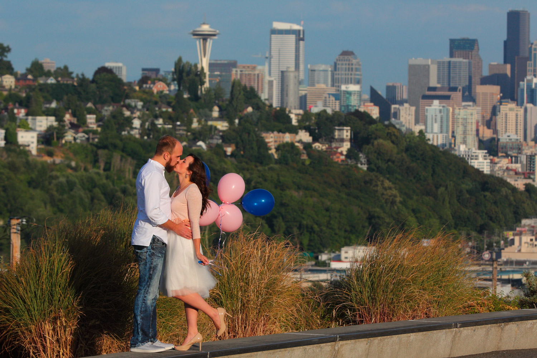 Engagement Photos Pike Market and Sculpture Park Seattle Washington12.jpg