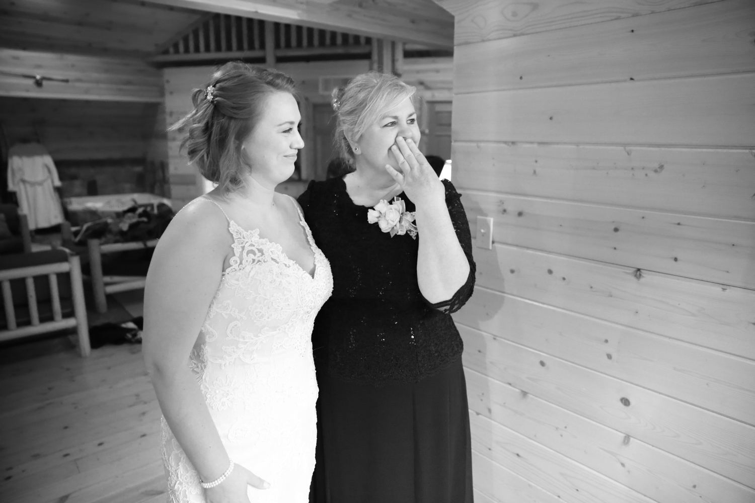 Wedding Photos Mountain Springs Lodge Leavenworth Washington03.jpg