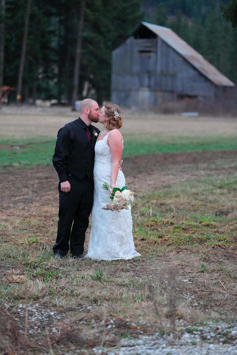 Wedding Photos Mountain Springs Lodge Leavenworth Washington13.jpg