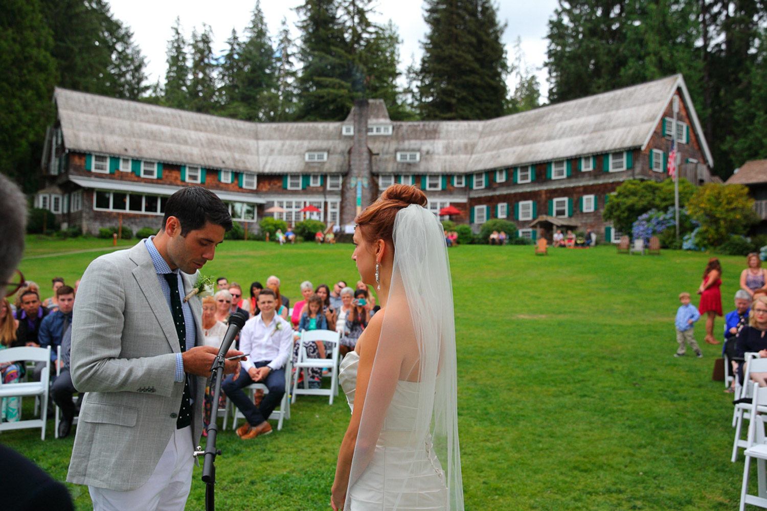 Wedding Photos Lake Quinault Lodge Washington34.jpg