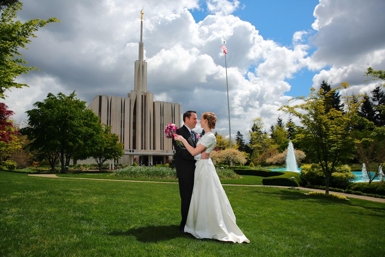 Wedding Photos LDS Temple Bellevue Washington22.jpg