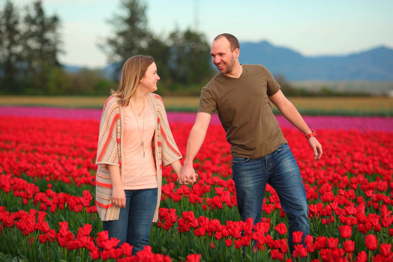 Engagement Photos Tulip Fields LaConner Washington05.jpg
