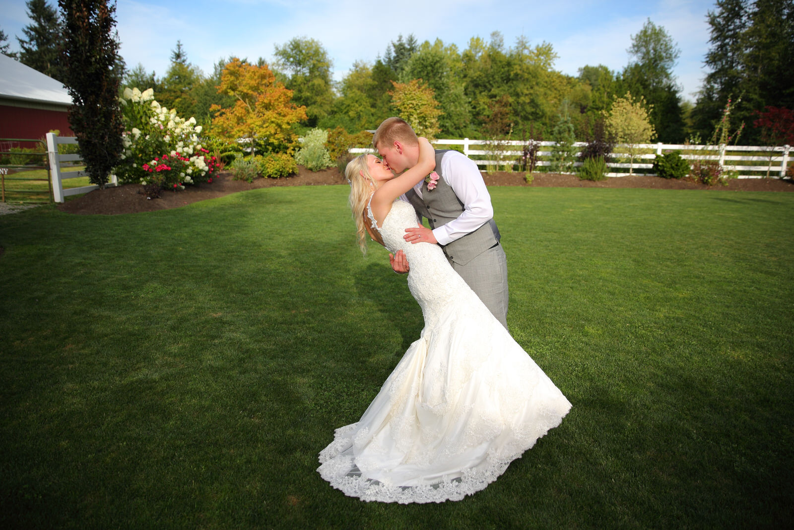 Bride and Groom at Filigree Farms in Buckley Washington