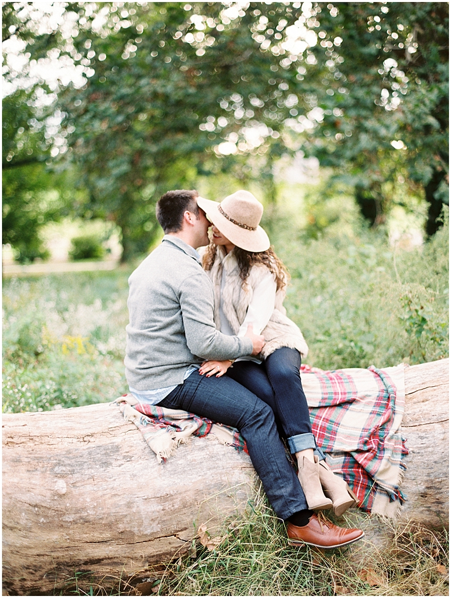 I love that they brought a blanket for their fall anniversary photos!
