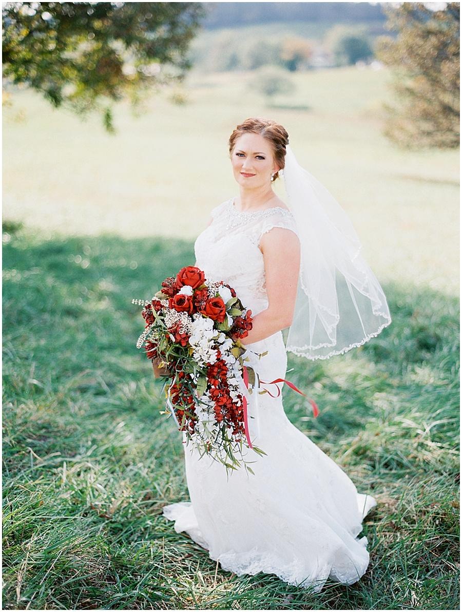 Southern Missouri Outdoor Wedding Wedding Photos  |  Garden Photography