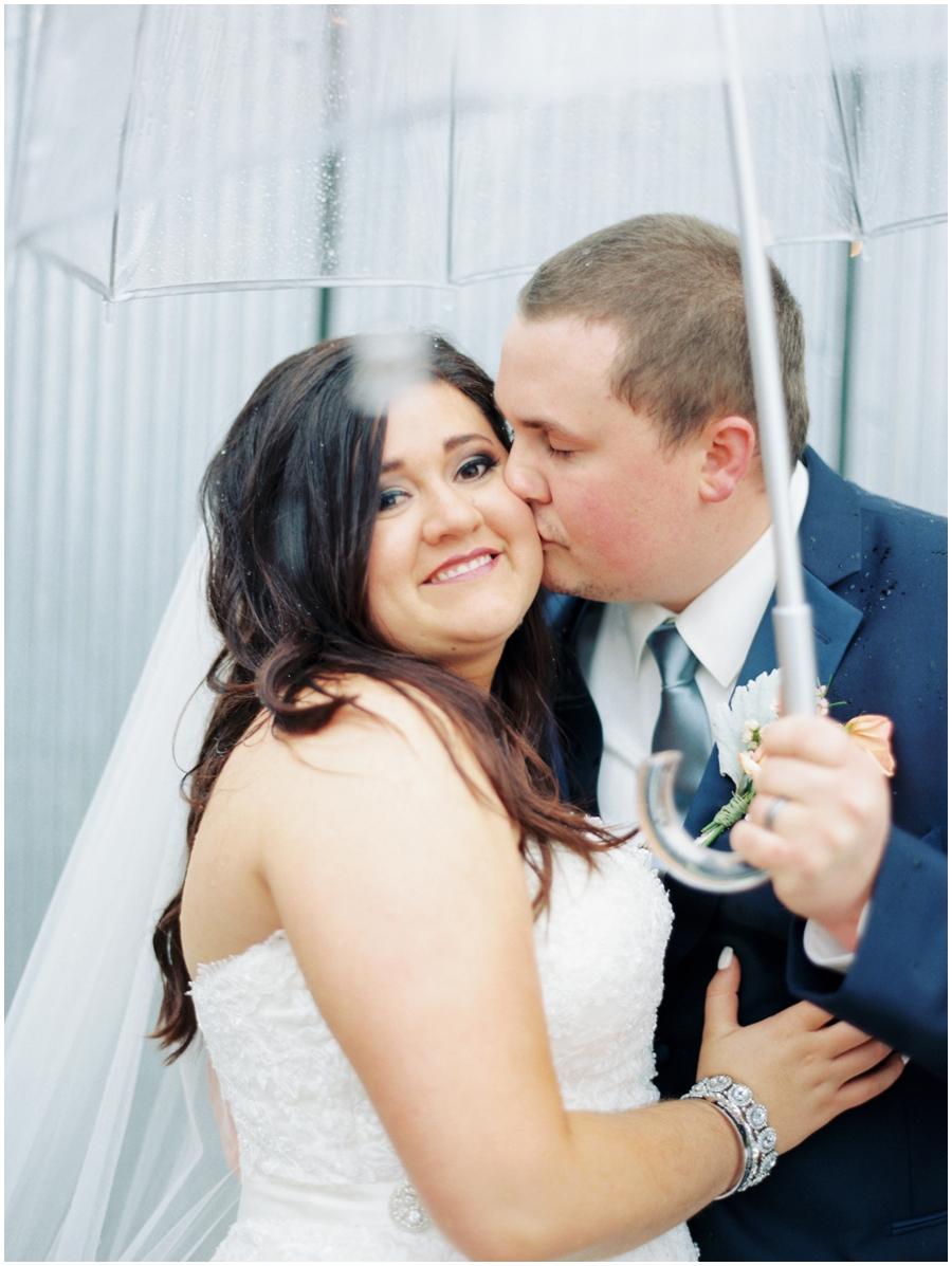 Illinois Garden Wedding Photos   Wedding Photographer