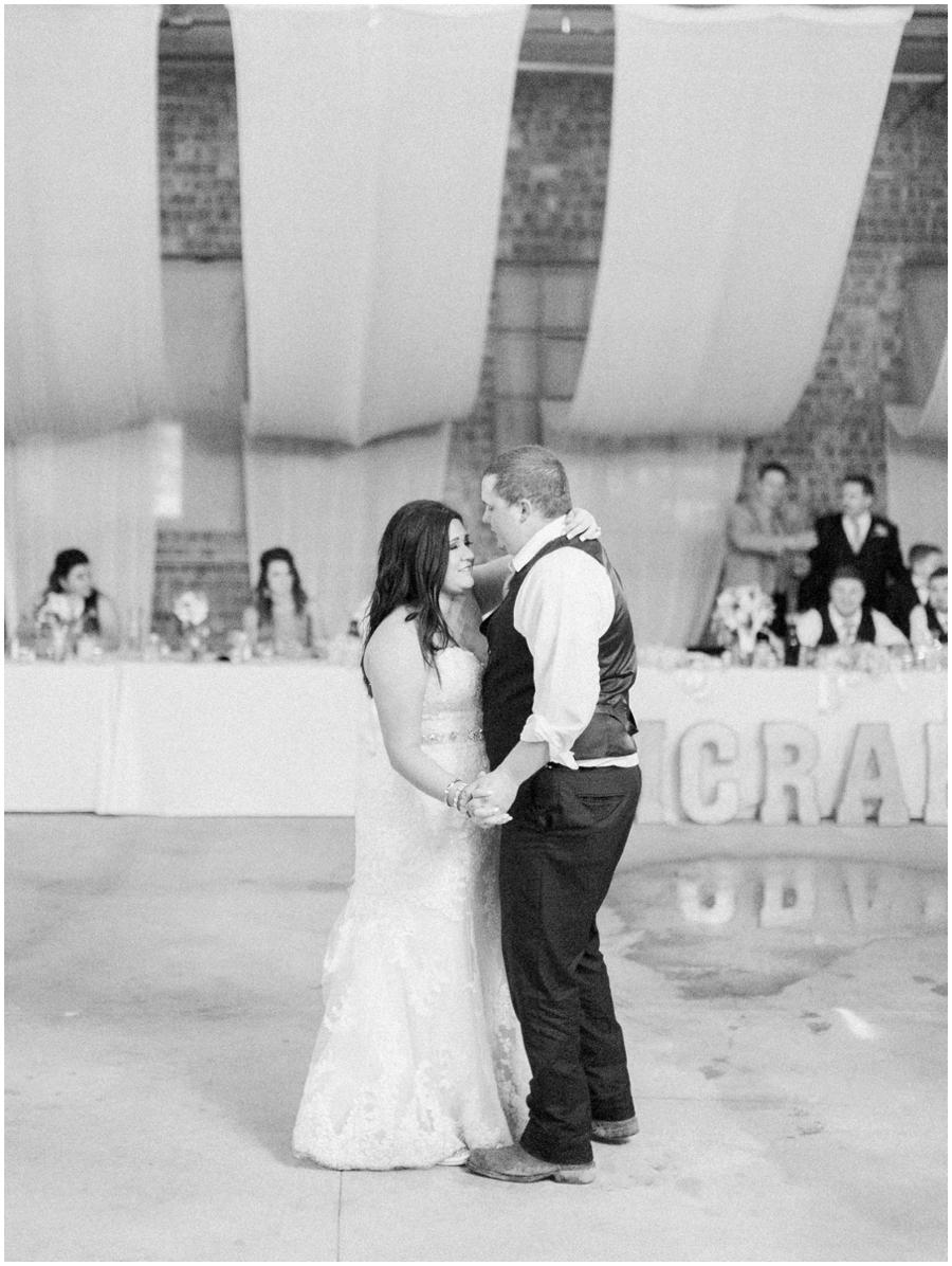 Illinois Rainy Day Photos   Wedding Photography