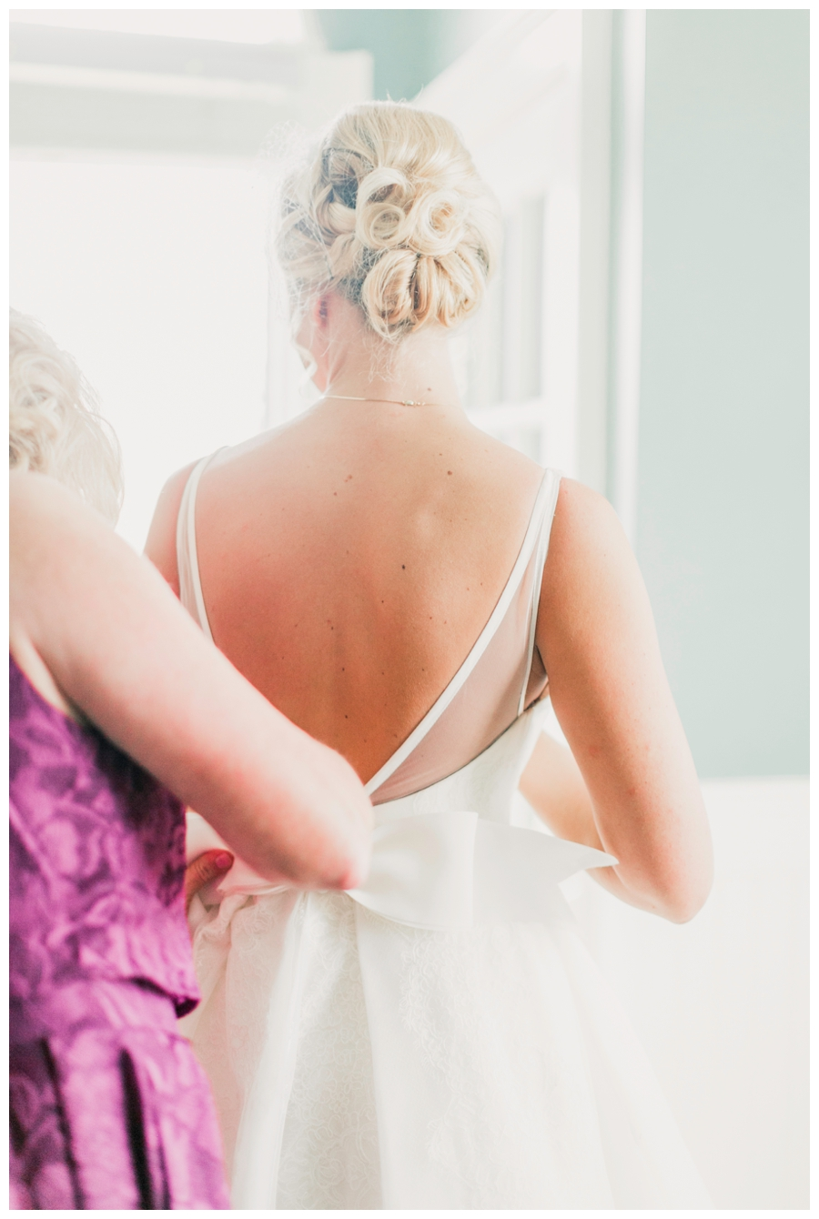 Light and Airy Photos of the bride in front of a window_0014.jpg