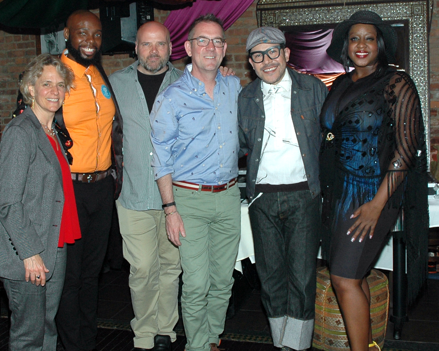 Ted Allen, Monda Guerra, Sharen Duke, Ebony Ross, Director of Development and Planning, with a Dining Out For Life Ambassador and a guest at Arabesque Restaurant