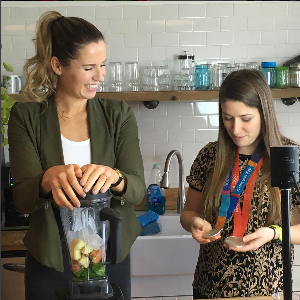 Making a smoothie with Green Blender founder, Jenna Tanenbaum.