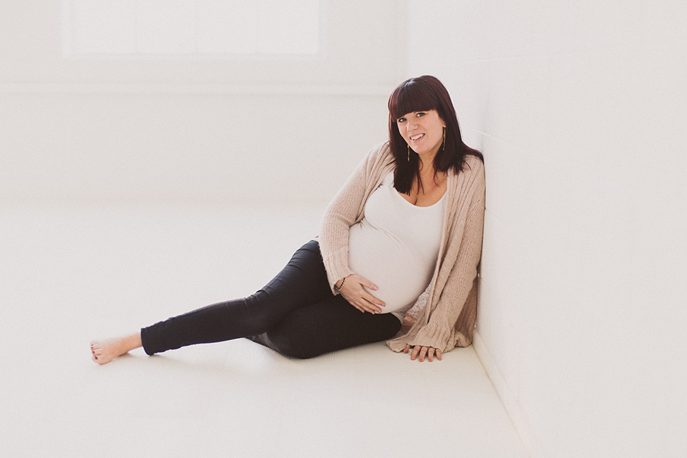 maternity-photographer-belfast-northern-ireland13.jpg