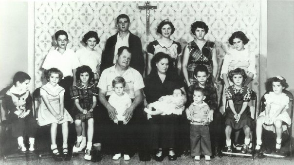 Grandma's Family of 17 before the last two were born