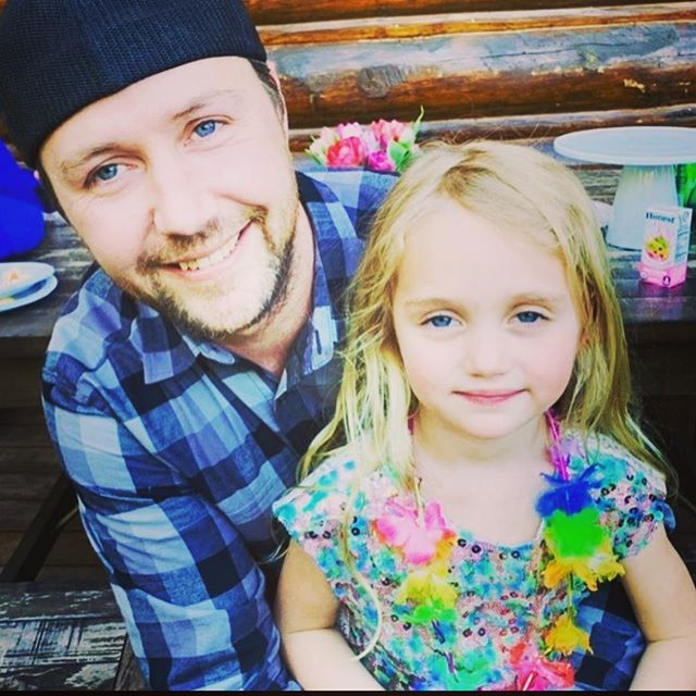 Happy Father's Day to our baby daddy David ❤️ my sweetest and quietest friend since 7th grade.  you gave us the best gift! We love you. #blueeyedbeauties  #twinning #family 🏳️🌈✊
