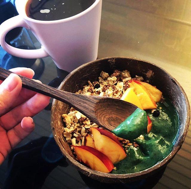 Thursday starting right!  Spirulina Smoothie Bowl for Breakfast