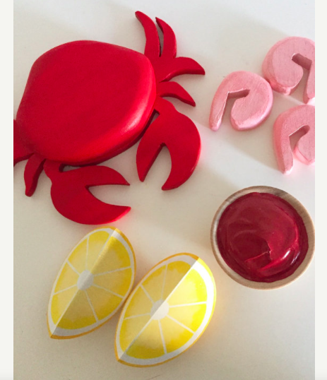 BYOImagination-on-Etsy-Wooden-Complete-Crab-and-Shrimp-Meal-32-.png