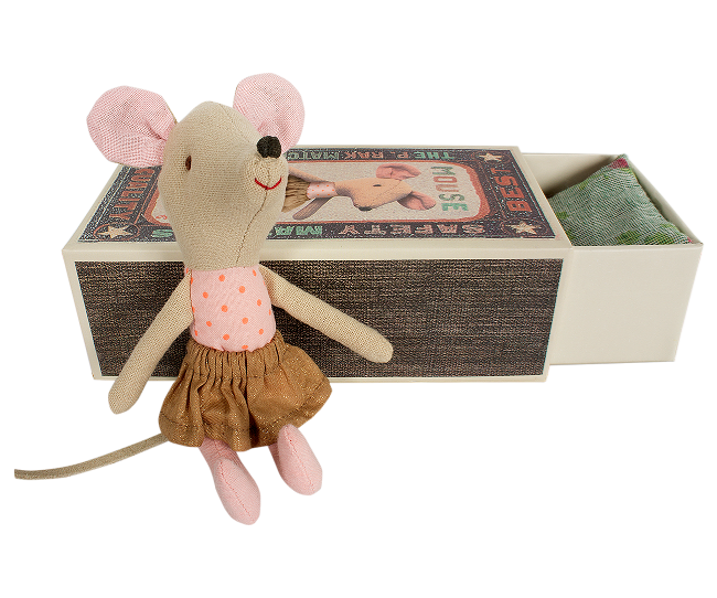 Rose-Rex-Big-Sister-Mouse-in-Matchbox-30-.png