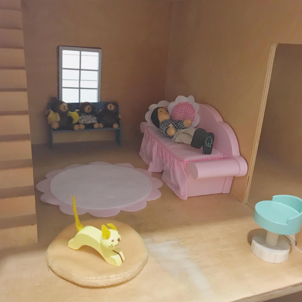 Dollhouse 11.jpg