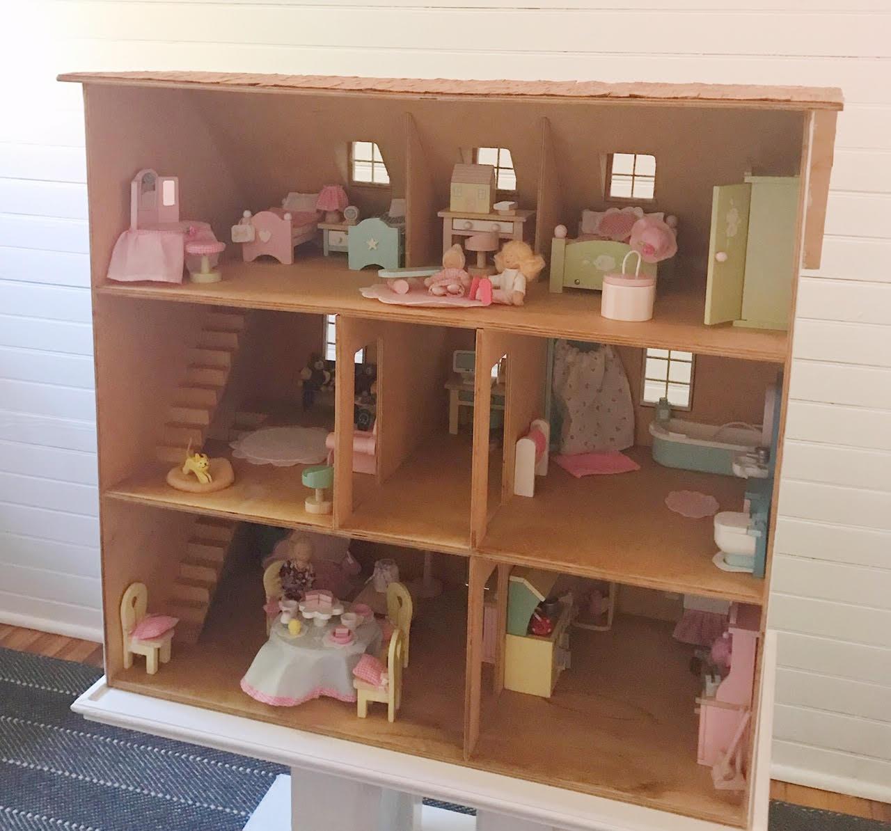 Dollhouse 16.jpg