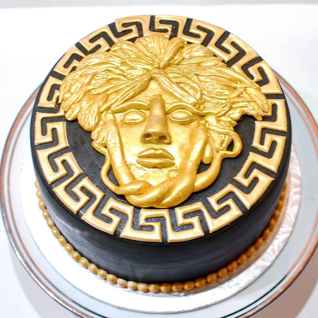 daango - personalize - cake - versace.jpg