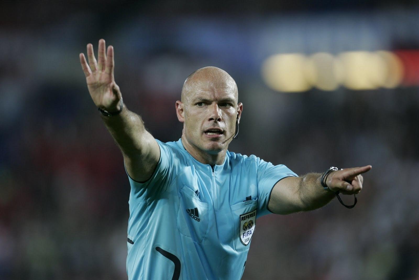 referees-at-work-cyburbia.jpg
