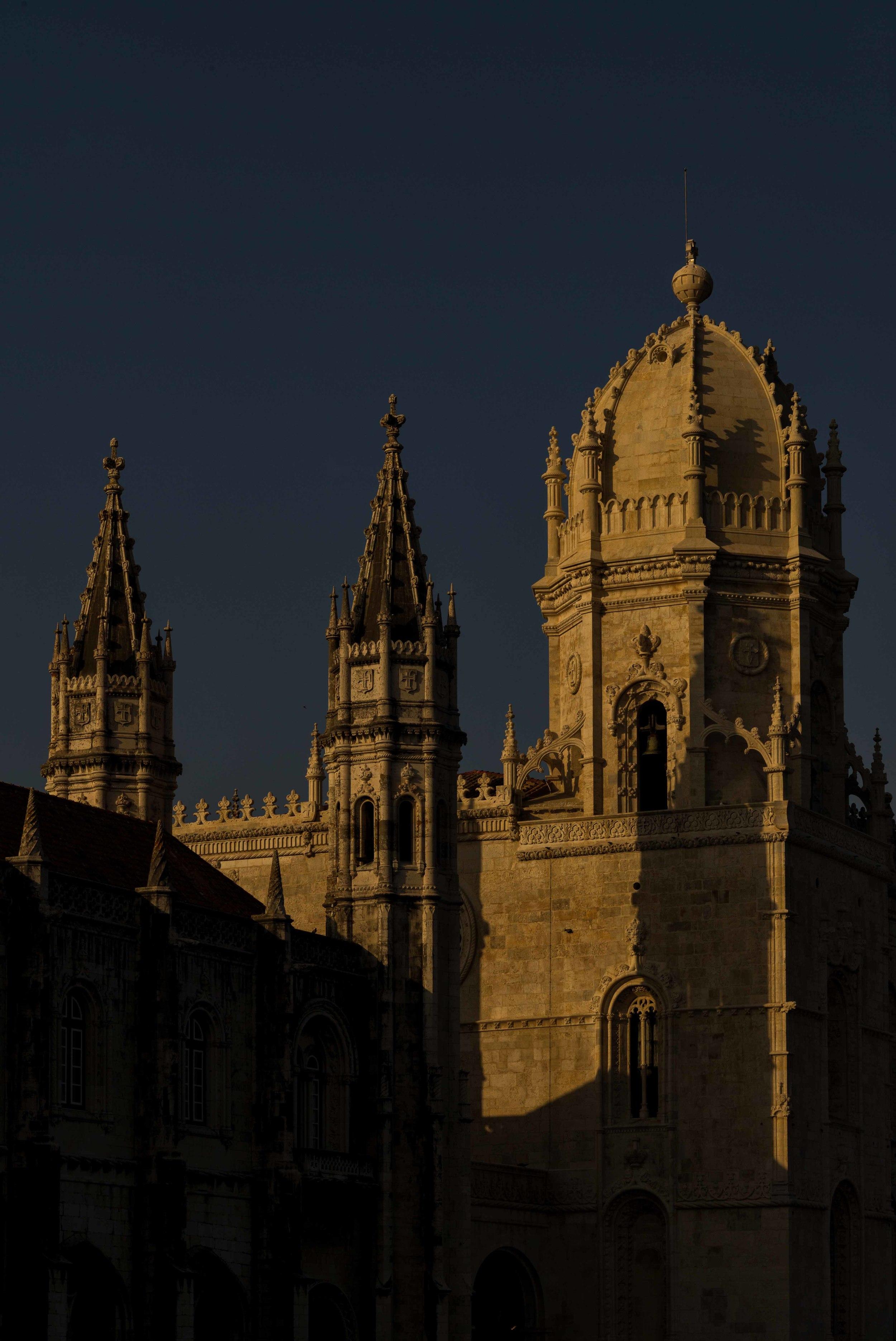 L1007869_sRGB-CO_Relative_Jerónimos Monastery_at Sunset.jpg