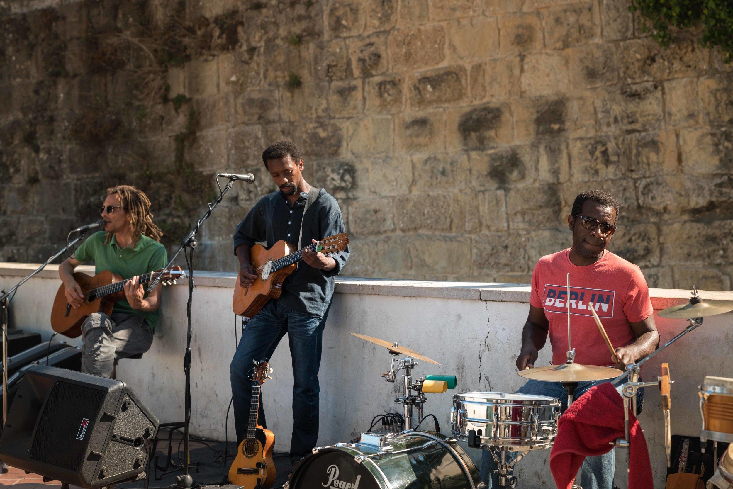 DSC02580_sRGB_CO_Relative_Reggae in Lisbon.jpg