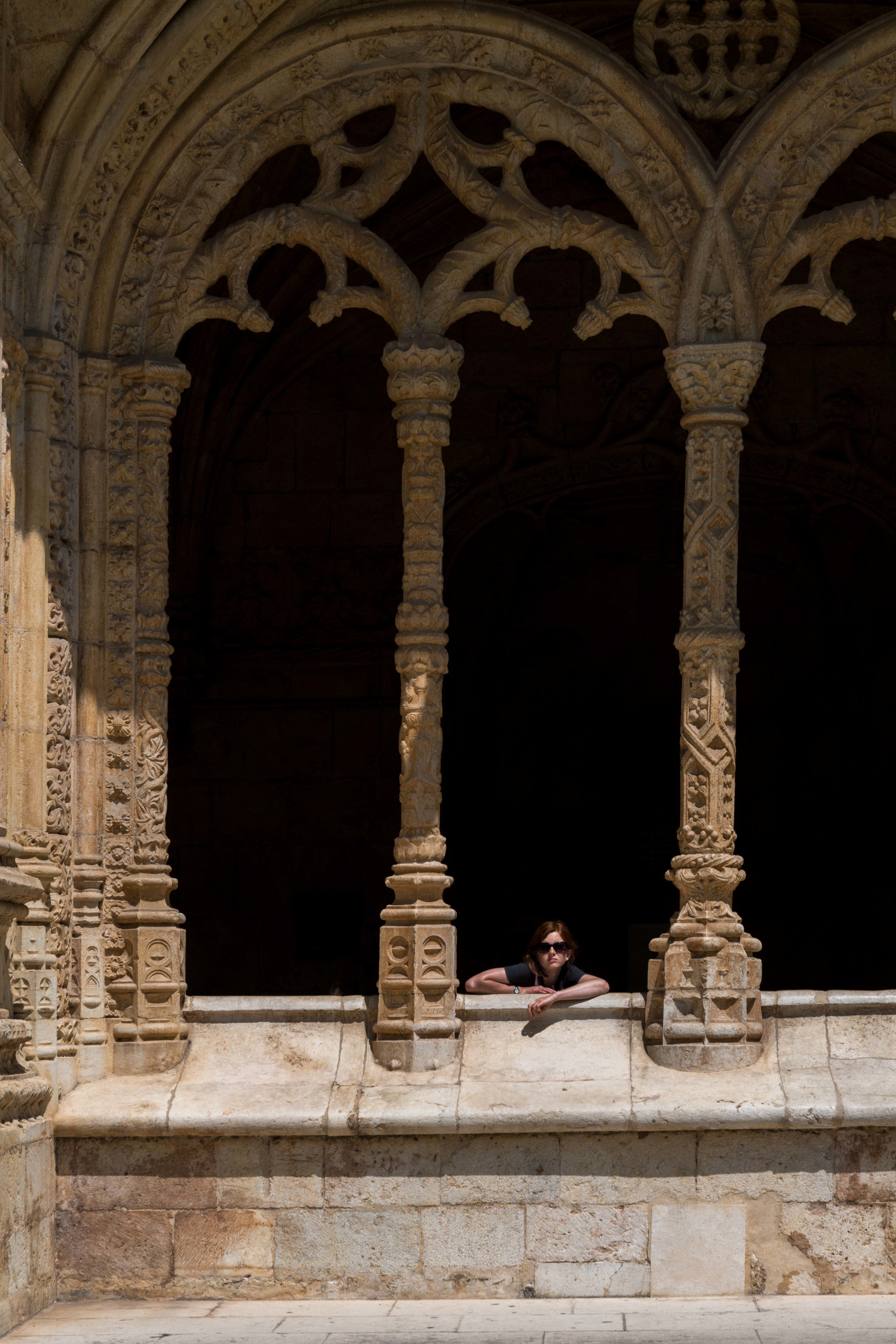 DSC01632_sRGB_CO_Relative_The Girl Lost Between the Columns.jpg