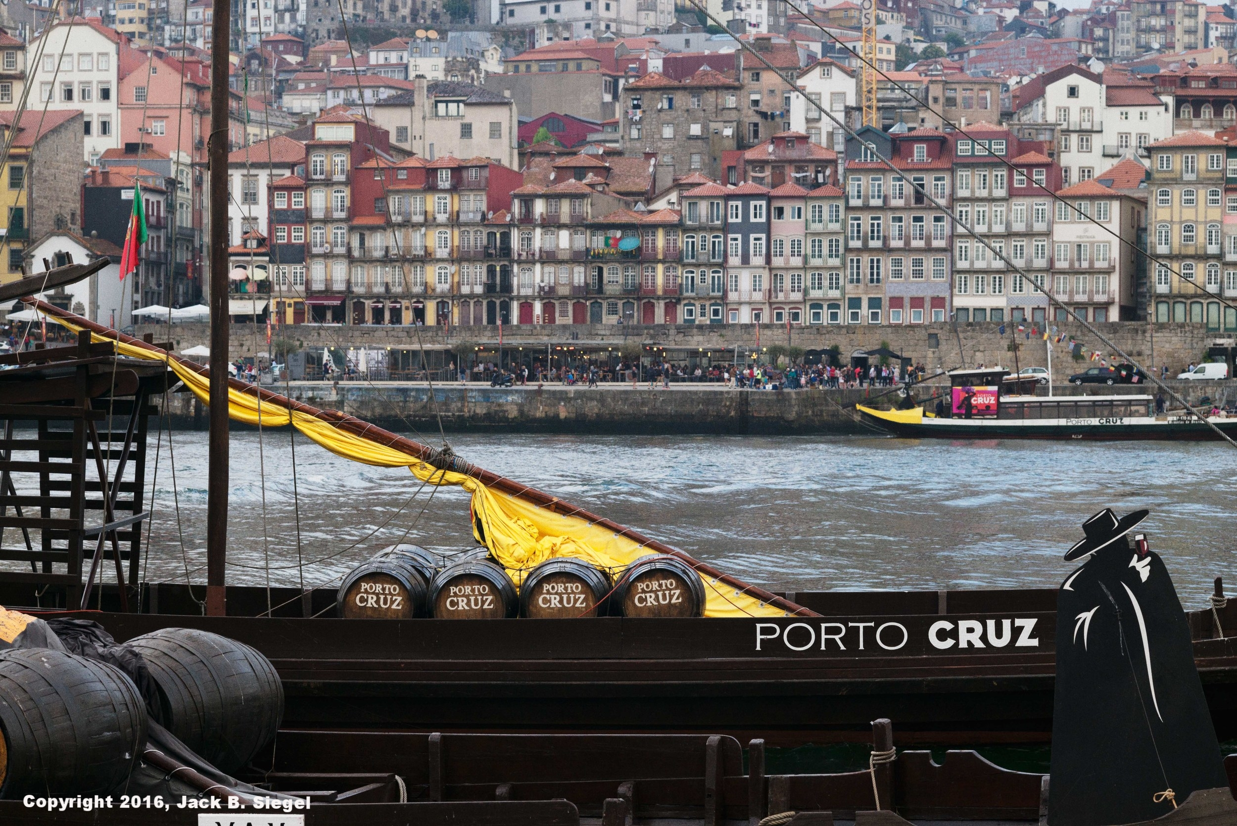 L1008767_sRGB_CO_Relative_Porto.jpg