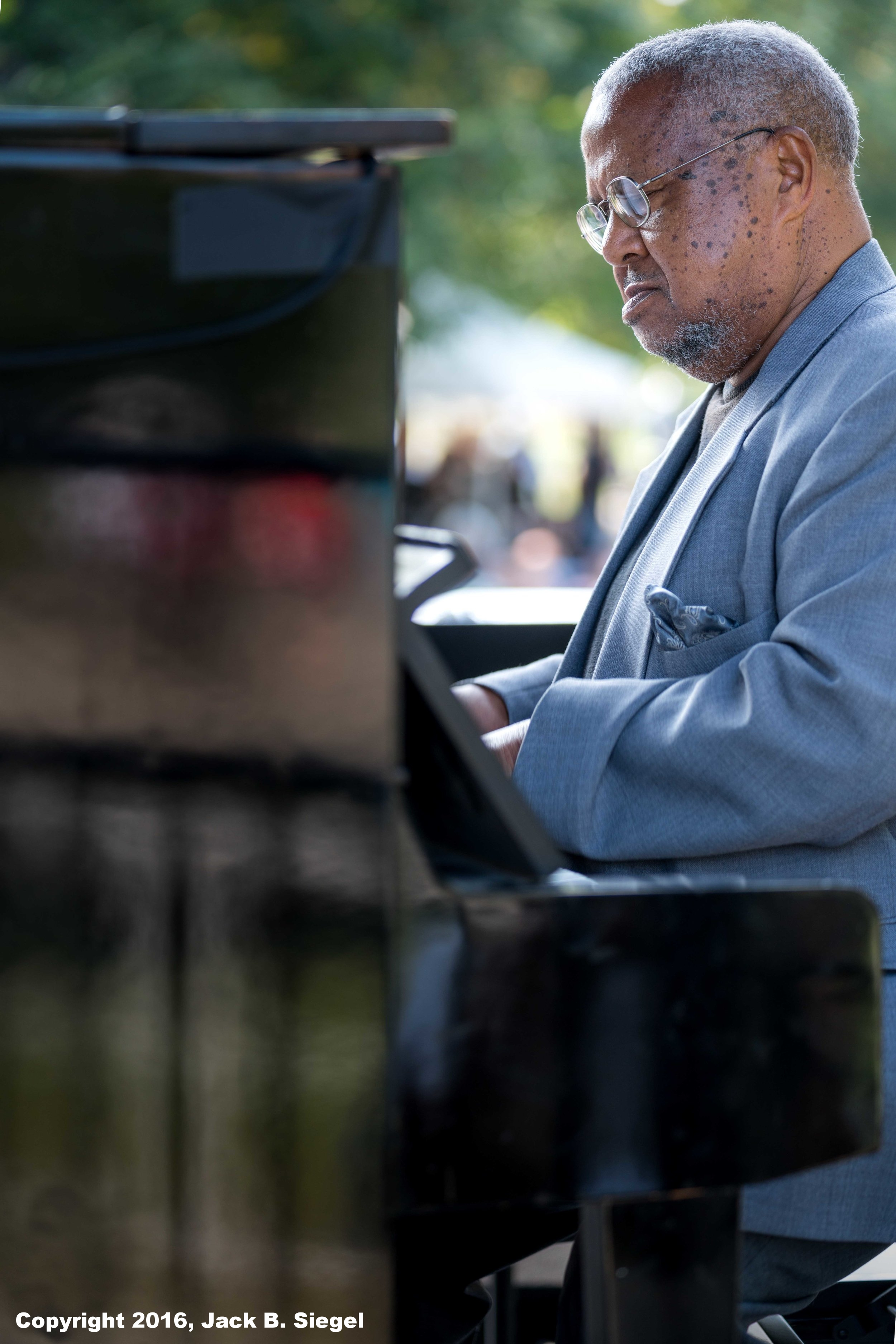 The Incomparable Willie Pickens on Piano