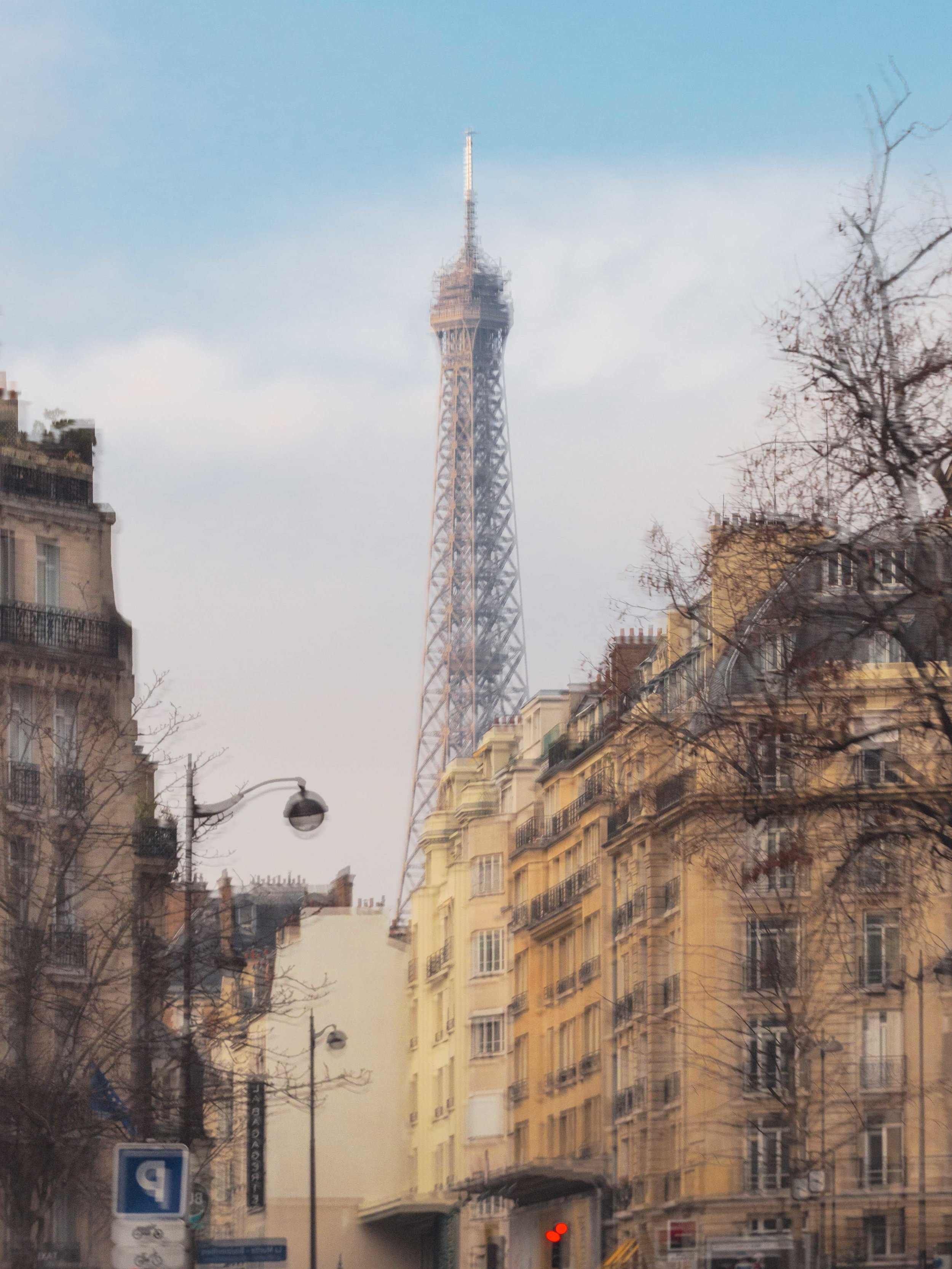 Reflection in the 16th Arrondissement