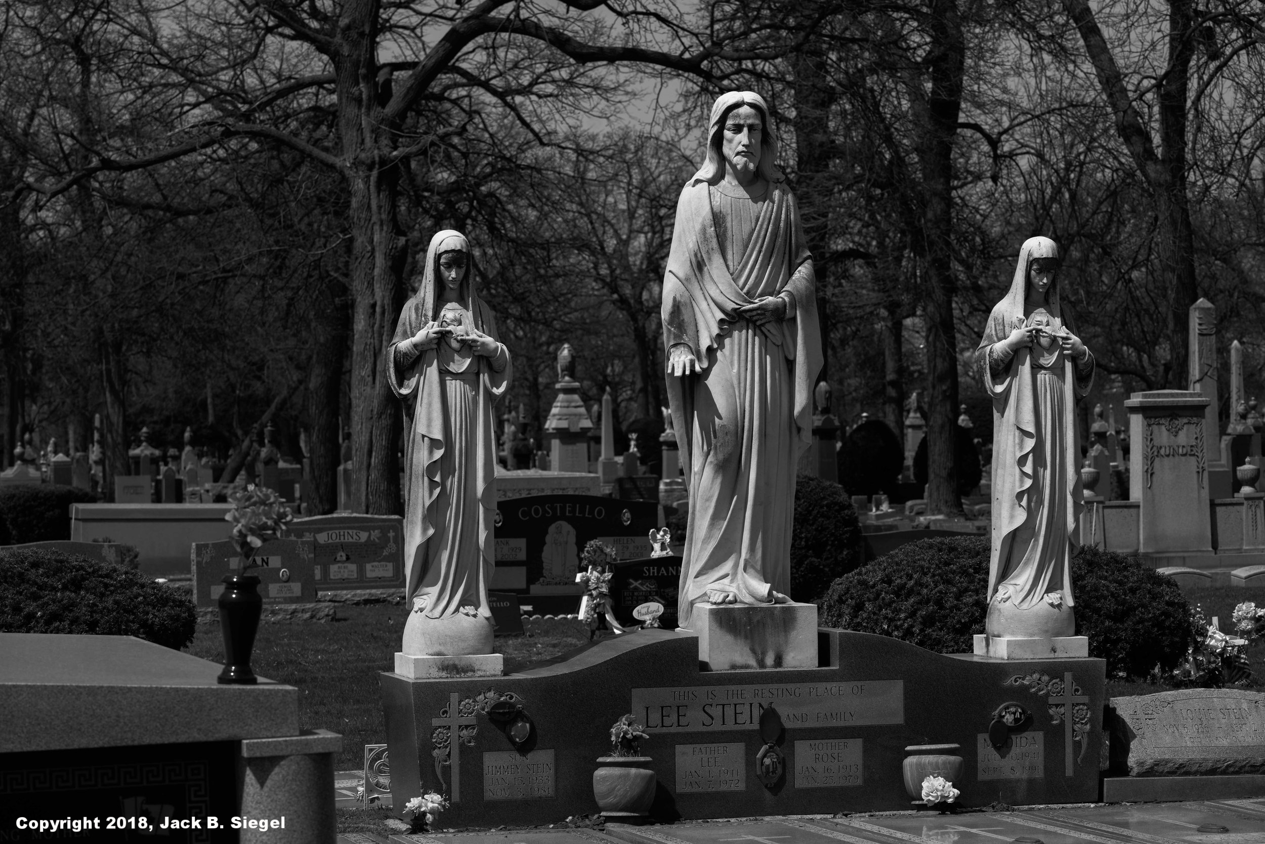 _DS21550-Edit-Edit_Copyright_sRGB_RelativveForest Home Cemetery- Jesus and His Helpers.jpg