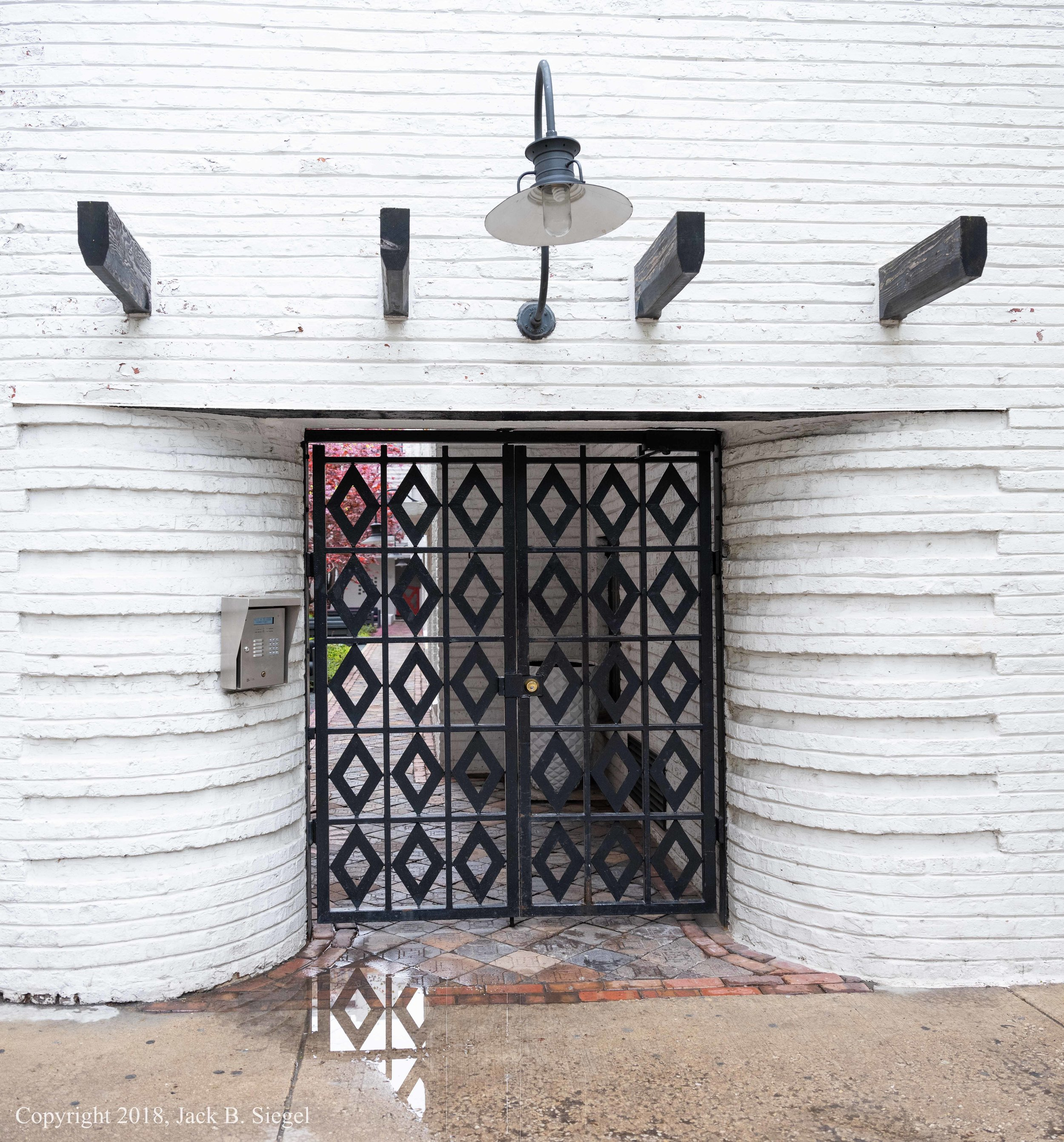 _DSF9109_Copyright_Entrance to Fisher Studios.jpg