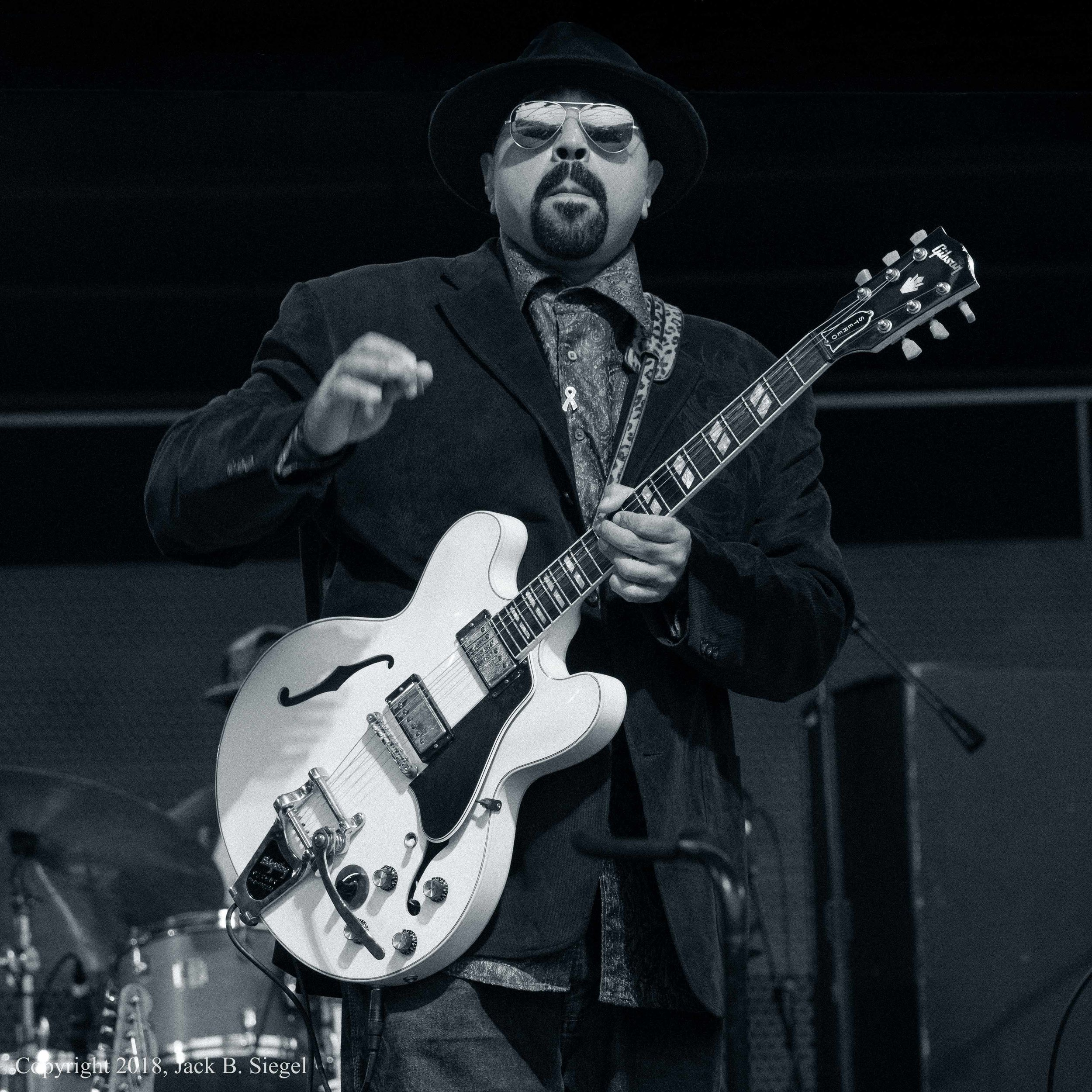_1010659PS__Copyright_Front and Center- Lonnie Baker Brooks on the Gibson.jpg