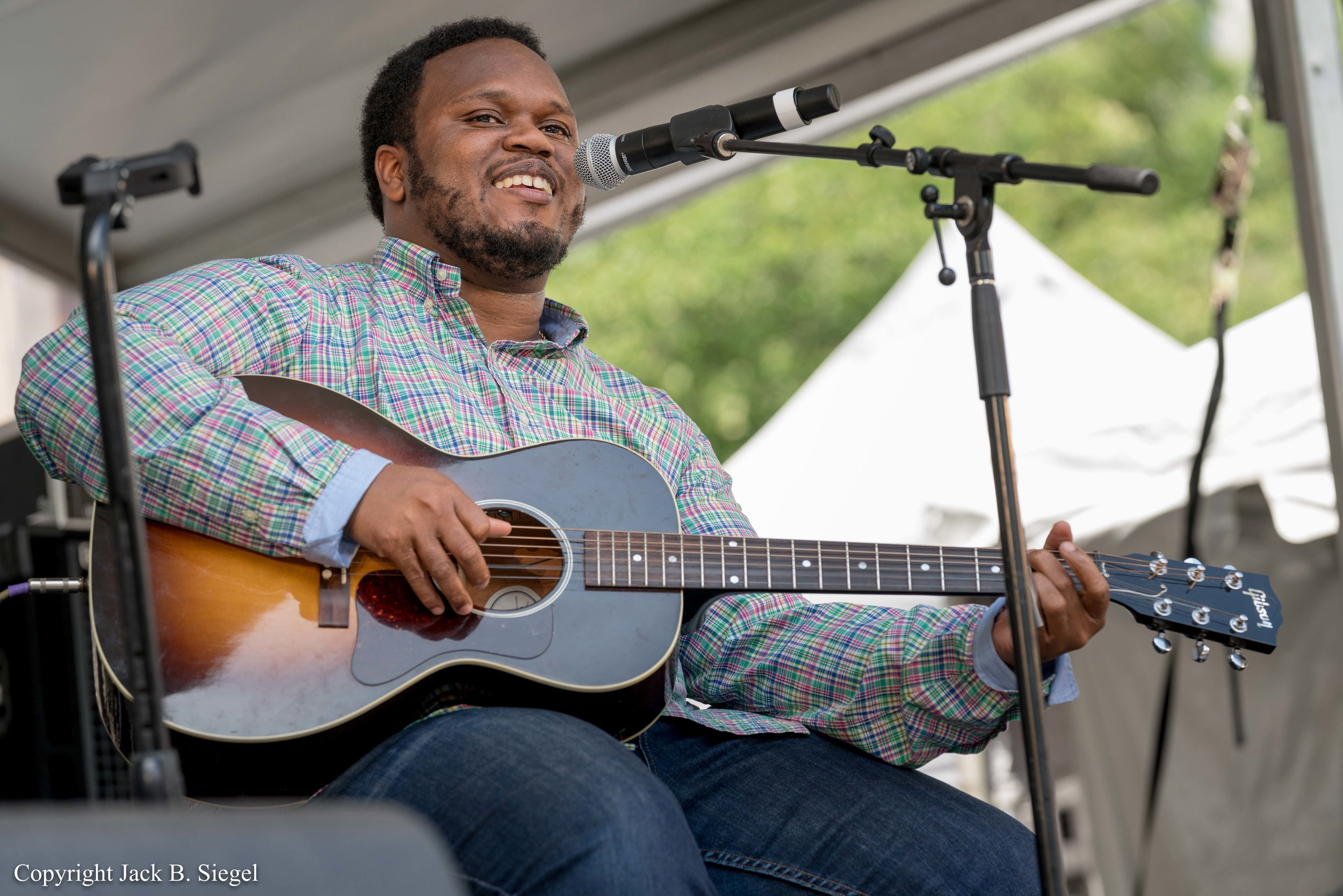 _DS27182_Copyright_Alvin Youngblood Hart on Accoustic Guitar.jpg