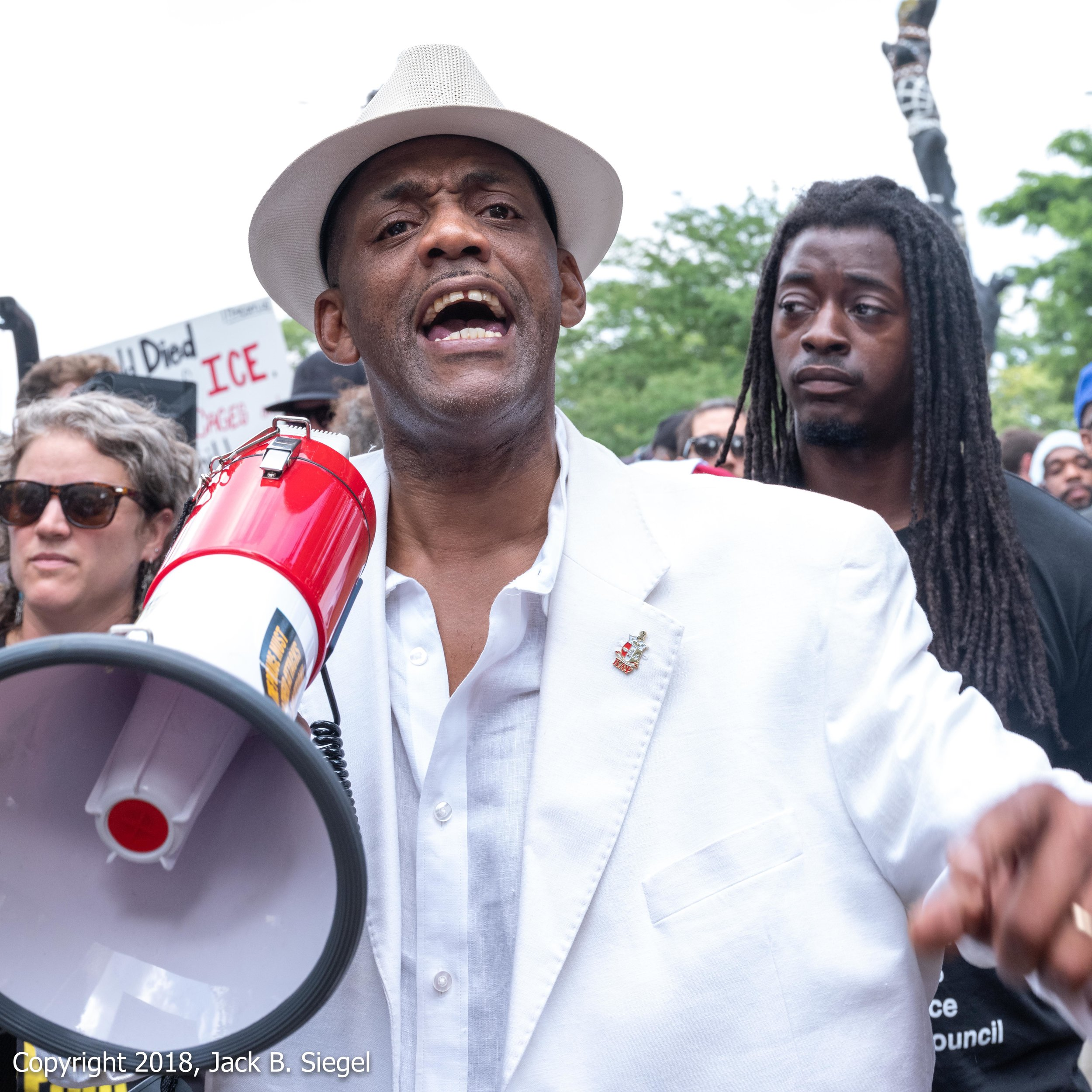 _DSF3448PS__Copyright 2018 jpeg_The Man in White with White Bullhorn.jpg