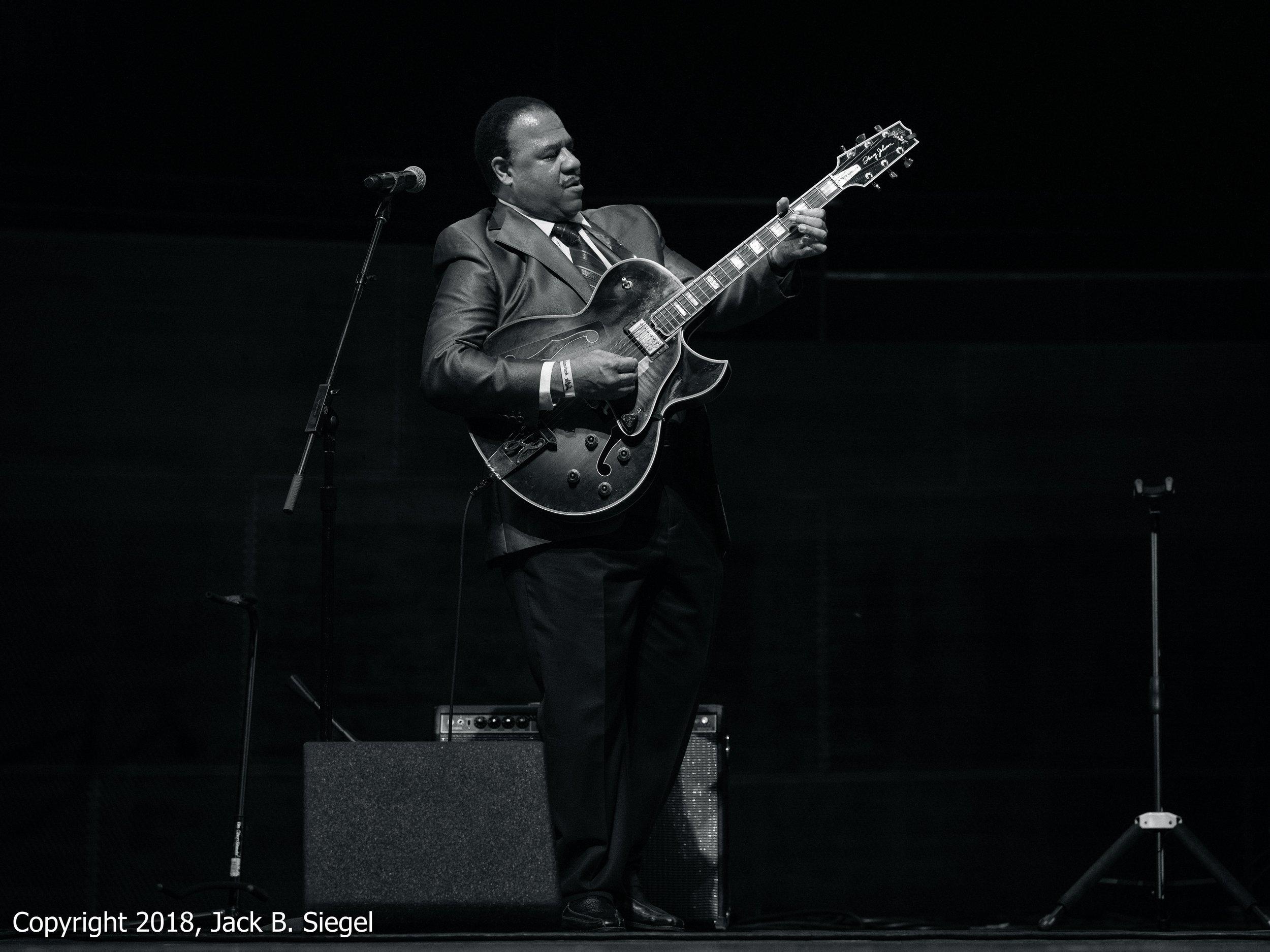 _DSF7914PS__Copyright 2018 jpeg_Henry Johnson on Guitar with Kenny Barron.jpg