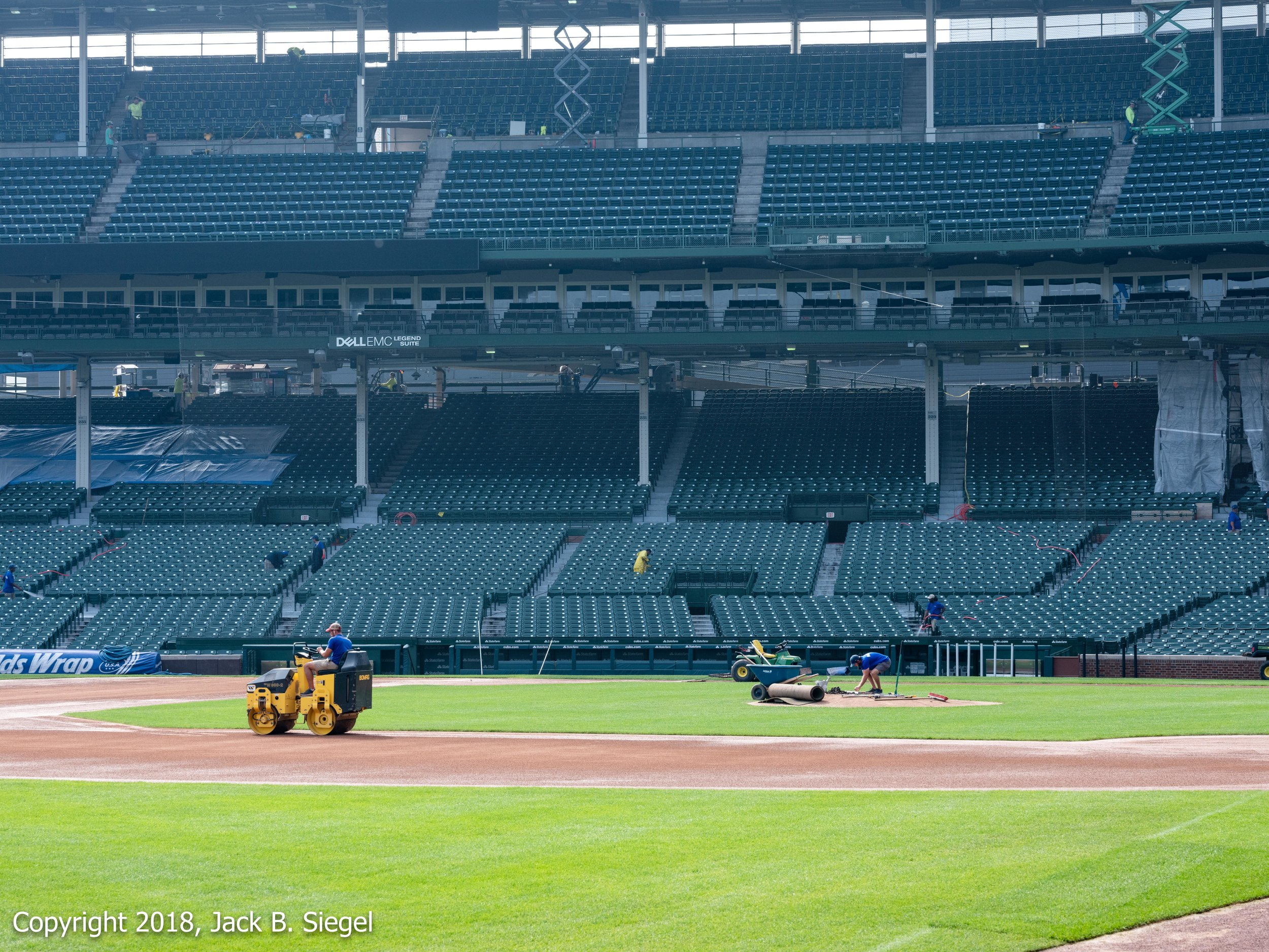 _DSF8670_Copyright 2018 jpeg_Getting Ready for the Playoffs.jpg